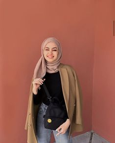 112 hijabs not to be missed this winter - page 1 Modern Hijab Fashion, Street Hijab Fashion, Hijab Fashion Inspiration, Muslim Fashion, Fashion Trends, Casual Hijab Outfit, Hijab Chic, Casual Outfits, Fashion Outfits