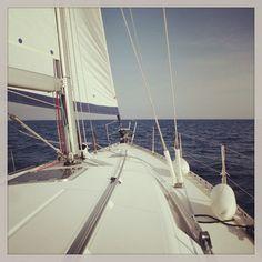 #passionmarine #lesissambres #sunsearoc #roquebrunesurargens #voilierminos #voilier