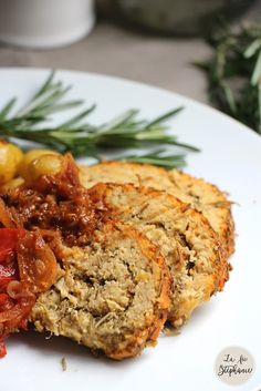 Roasted white beans roulade for vegan Easter holidays! - The Stephanie Fairy Easter Dinner Recipes, Brunch Recipes, Brunch Ideas, Dinner Ideas, Vegetable Recipes, Vegetarian Recipes, Ostern Party, Plat Vegan, Healthy Brunch