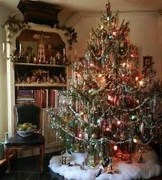 That is one decked out tree