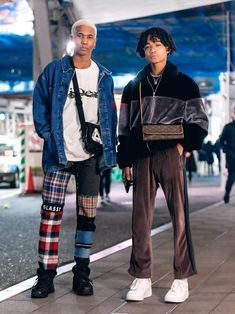 The Best Street Style From Tokyo Fashion Week Fall Will Tokyo street style ever lose its magic touch? Not likely, if the stylish locals captured around the city at Fashion Week have anything to say about it Tokyo Fashion, Japan Street Fashion, Tokyo Street Style, Looks Street Style, Fashion Mode, Harajuku Fashion, Urban Fashion, Fashion Outfits, Vogue Fashion