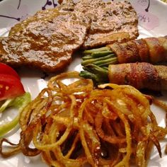 Egy finom Borban párolt mustáros karaj baconös ceruzababbal és sült hagymával ebédre vagy vacsorára? Borban párolt mustáros karaj baconös ceruzababbal és sült hagymával Receptek a Mindmegette.hu Recept gyűjteményében! Bacon, Food And Drink, Beef, Drinks, Meat, Drinking, Beverages, Drink, Pork Belly