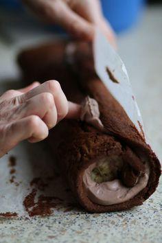 Neuveriteľne rýchla dobrota, bez múky, plnka môže byť podľa vašich predstáv. Deťom chutí čokoládová s banánmi, mne tvaroh a maliny.