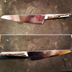 Couteau de chef ICO à venir: bois de cerf teinté caramel et lame gravée Brise Bise à leau forte . . . #samuelguichard #customknives #knivesporn #knivesgeeks #handmadeknives #knifeporn #knifepics #knifeaddict #knifefanatics #knifedesign #knifecollection #knifemaking #knifecollector #artknives #knives #knife #knifemaker #productdesign #knifestagram #designporn #design #handmadeinfrance
