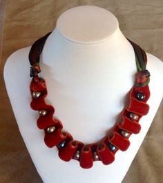Velvet and pearls necklace in luxuriant colors by GCMdesigns, $35.00