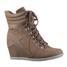 Nicky: zapato deportivo camel cu�a oculta en nobuck