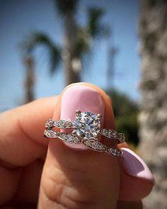 Timeless #diamondring #diamonds #engagementrings #trophywife
