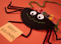 Spider Candy Holder, so cute and easy! I love doing crafts with kids.