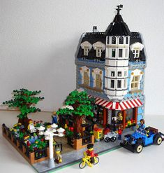 Picture result for lego cafe pictures - Eskerme Conke Lego Minecraft, Cool Minecraft Houses, Minecraft Skins, Minecraft Buildings, Lego Design, Modular Design, Lego Modular, Lego Disney, Lego Technic