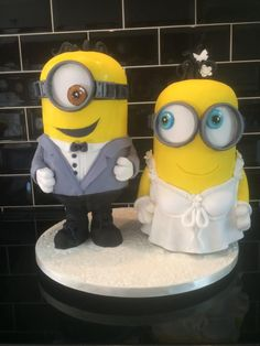 Minions Wedding by Paul of Happy Occasions Cakes. - http://cakesdecor.com/cakes/214902-minions-wedding