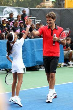 Roger Federer - Roger Federer, Rafael Nadal, Serena Williams & John McEnroe Challenge
