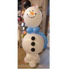 Frosty sneeuwman uit ballonnen, ballonfiguur, ballonnenwinkel, ballons, heliumballonnen, ballondecoratie, www.kadooken.be