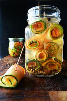 熱中症予防にも酸味とお野菜美味しく摂取したいから、見た目も可愛くぐるぐる巻きにしてみました ピクルス マリネ ピンチョス