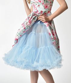 Add flounce, bounce and fun to skirted styles with vintage petticoats from Unique Vintage. Shop our collection of petticoats and crinoline slips today. Pretty Lingerie, Vintage Lingerie, Beautiful Lingerie, 1950s Style, 1950s Fashion Dresses, Fashion Outfits, Fifties Fashion, Vintage Fashion, Proper Attire