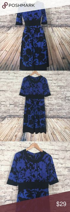 Jones New York royal black  floral dress Feminine dress in good used condition. Size 6. 95% polyester, 5% spandexbundle and save Jones New York Dresses Midi