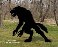 All-Weather Scary Werewolf – Front Yard Originals Scary Halloween Yard, Halloween Yard Displays, Halloween Outside, Halloween Wood Crafts, Animated Halloween Props, Scary Halloween Decorations, Halloween Haunted Houses, Outdoor Halloween, Halloween Diy