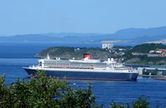 Trondheim City Winter - RMS Queen Mary 2 in Trondheim 2010