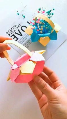 Paper Art Projects, Paper Crafts Origami, Paper Crafts For Kids, Craft Activities For Kids, Origami Art, Diy Crafts Hacks, Diy Crafts For Gifts, Diy Arts And Crafts, Paper Flowers Diy