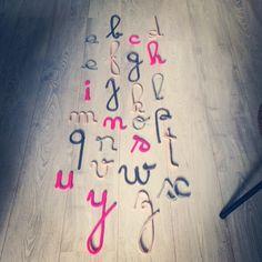 tricotin, abécédaire, abc, alphabet, mot en laine, mot enlainé, charlie&june, lettre