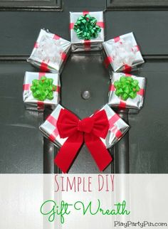 Simple DIY Gift Box Wreath Final