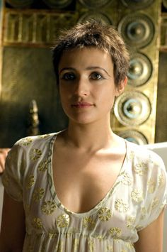 """The Most Authentic ( in my opinion) Cleopatra Philopator ever to grace the screen. """"ROME"""" on HBO. The good die young ( The show, and the Queen! Rome Tv Series, Hbo Series, Rome Costume, Costumes, Costume Ideas, Rome Hbo, Lagertha Hair, Rome Fashion, Ray Stevenson"""