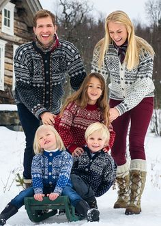 from Dale of Norway. Beautiful traditional Norwegian knitting designs for the whole family. Sweater designs include Sirdal (shown on cover), Setesdal, and Fana in pullover and cardigan styles. Knitting Books, Knitting Charts, Knitting Patterns, Knitting Ideas, Knitting Sweaters, Knitting Projects, Nordic Sweater, Ski Sweater, Cowichan Sweater