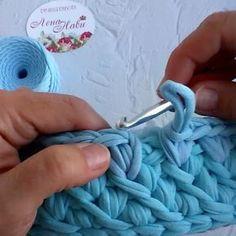 Não me canso de aprender! Boa noite!. . . . By @lena_navi . . . #crochet #crochetaddict #crochet #croche #croché #croshet #yarnlove #yarn #yarning #knitlove #knit #knitting #trapillo #ganchilloxxl #ganchillo #crocheaddict #fiodemalha #handmade #feitoamao #totora #penyeip #вязаниекрючком #uncinetto #かぎ針編み #inspiracao #inspiration #vídeocrochet #dica #videotutorial