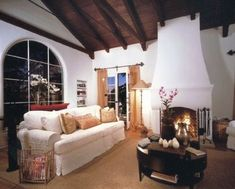 1920 Santa Barbara Spanish Colonial on Riveria next to Mission/Rose Gardens - Lower Riviera Spanish Style Homes, Spanish House, Spanish Colonial, Spanish Revival, Santa Barbara Vacation Rentals, Double French Doors, Room Goals, Home Ownership, Ideal Home