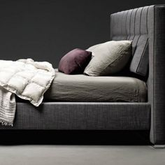Pictures of High-Wave Bed by Molteni & C