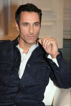 Raoul Bova, Under The Tuscan Sun, Male Beauty, Eye Candy, Handsome, Hollywood, Mens Fashion, Actors, Toscana
