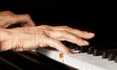 #Playing piano cords in a 'low E' may curb dementia by shrinking toxic clumps in the brain by half, study finds - Daily Mail: Daily Mail…