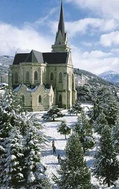 La Catedral de Bariloche es uno de los lugares más hermosos para visitar en esta bella ciudad de Bariloche en Argentina. Es genial para ir allí si te gusta ir a la iglesia.