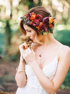 Wedding Hairstyles : bohemian forest wedding ideas - boho hairstyle with bridal flower crown - hairstyles bohemian Fall Flower Crown, Flower Crown Wedding, Wedding Hair Flowers, Wedding Headband, Bridal Flowers, Flowers In Hair, Pearl Flower, Bridal Crown, Diy Flowers