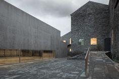 http://hicarquitectura.com/2015/01/menos-e-mais-the-arquipelago-contemporary-arts-centre/