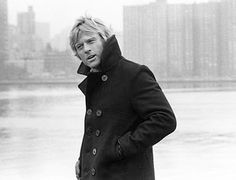 """Robert Redford gave a lesson of style on how to wear a winter staple, a peacoat, on """"The Three Days of the Condor"""". Peacoats are somehow bas. Robert Redford, Portrait Male, Gorgeous Men, Beautiful People, Raining Men, Famous Faces, Famous Men, Old Hollywood, Movie Stars"""