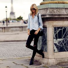 casual weekend outfit - black ripped skinny jeans + chambray shirt and ankle boots - Tuula Vintage