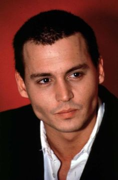 Johnny Depp with short hair Young Johnny Depp, Here's Johnny, Hot Actors, Actors & Actresses, Young And Beautiful, Beautiful Men, Beautiful People, Simply Beautiful, Jonh Deep