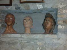 Sculture dalla casa dell upupa del maestro Ilario Fioravanti