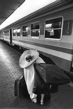 Ferdinando Scianna. ITALY Rome. Railstation