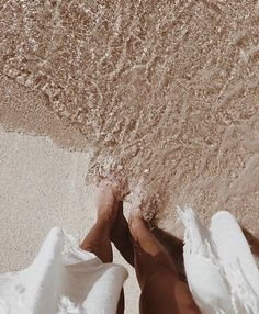 Feet in the Sand, Clear Water, Summer Vibes Beige Aesthetic, Summer Aesthetic, Nature Aesthetic, Summer Feeling, Summer Vibes, Summer Days, Summer Beach, Shooting Photo, Beach Babe