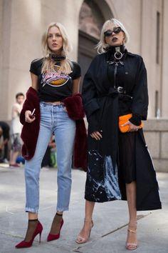 Metal Love Dettagli metallici come cerchi, studs e catene rafforzano l'outfit e gli danno un tocco punk/rock. Si trovano al collo, sulle cinture e sulle borse. #metal #nyfw #streetstyle #tshirt #style