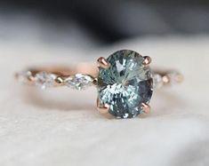 Green Sapphire Engagement Ring, Platinum Engagement Rings, Engagement Ring Settings, Ring Engagement, Engagement Rings With Sapphires, Gemstone Engagement Rings, Unique Rings, Beautiful Rings, Cluster Ring