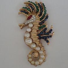 RARE VINTAGE TRIFARI GOLD PLATE SAPPHIRE RUBY EMERALD RHINESTONE SEAHORSE BROOCH | eBay