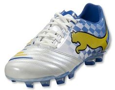 Puma PowerCat 1.12 Munich Edition - i wish the checkers were more visible and covered more area but cool boot.