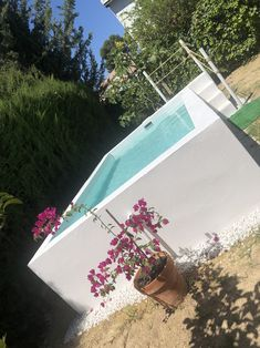 Backyard Pool Designs, Small Backyard Pools, Small Pools, Swimming Pools Backyard, Swimming Pool Designs, Pool Landscaping, Outdoor Tub, Outdoor Gardens, Above Ground Pool