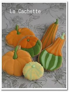Gorgeous gourds by la-cachette, via Flickr