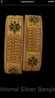 Kerala Jewellery, India Jewelry, Jewelry Sets, Gold Jewelry, Jewlery, Gold Bangles Design, Silver Bangles, Indian Wedding Jewelry, Bridal Jewellery
