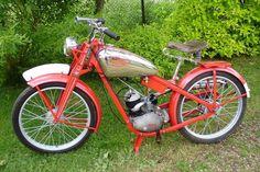 Jawa Robot 1937-46 Moto Jawa, Moped Scooter, Old Bikes, Mopeds, Classic Bikes, Scooters, Motor Car, Motorbikes, Mustang