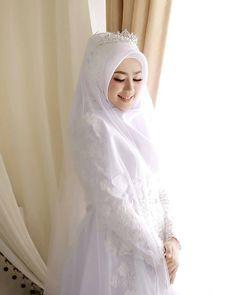 60 Ideas Makeup Simple Hijab For 2019 Muslimah Wedding Dress, Muslim Wedding Dresses, Hijab Bride, Muslim Brides, Wedding Bridesmaid Dresses, Dress Wedding, Wedding Hijab Styles, Muslim Couples, Hijab Simple