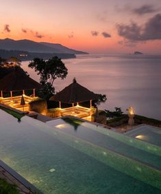 The iconic three tier pool looks so peaceful at dawn💕 bali. Holiday Places, Holiday Destinations, Travel Destinations, Wonderful Places, Beautiful Places, Amazing Places, Romantic Places, Paris Hotels, Cool Pools